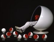 Eero-Aarnio-Ball-Chair_ar